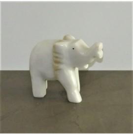 Elefante in onice bianco